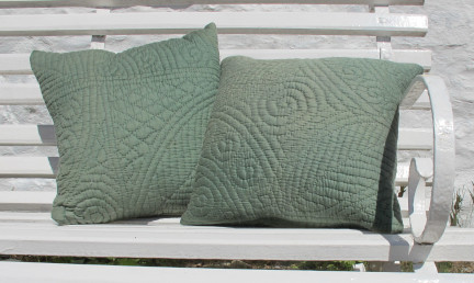 res_two_cushions