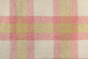 pink_cream_and_green_soft_plaid_res_3