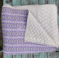 purple_quilt_with_gray_back_res_3