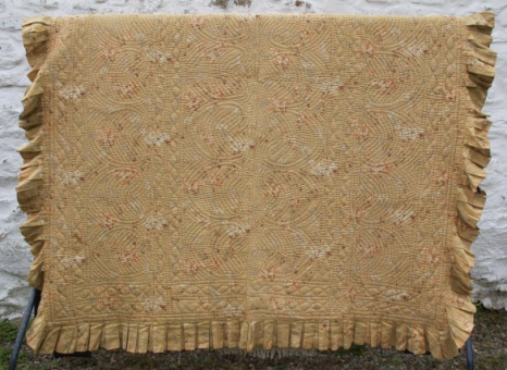 blue_and_beige_floral_quilt_res_3