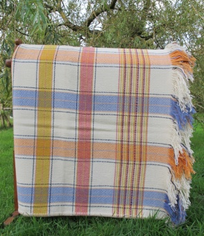 cream_yellow_red_orange_and_blue_blanket_res_2