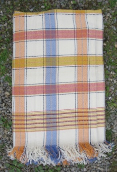 cream_yellow_red_orange_and_blue_blanket_res_3