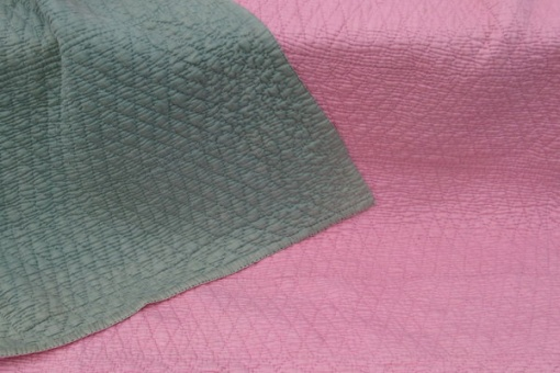pink and green wholecloth quilt - detail