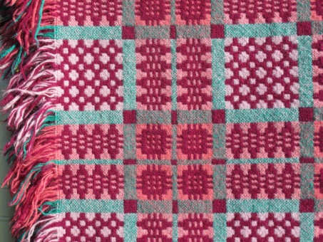 red_and_green_tapestry_res_3