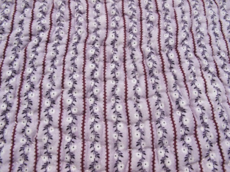 res_detail_of_fabric_on_purple_side