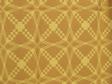 res_detail_of_pattern_on_yellow_side